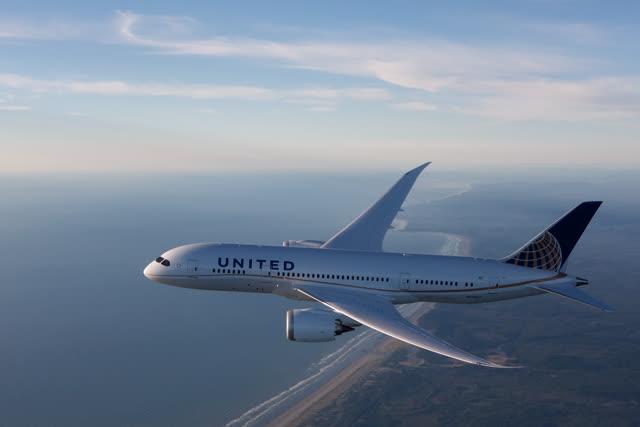 Un avion de United Airlines en vol