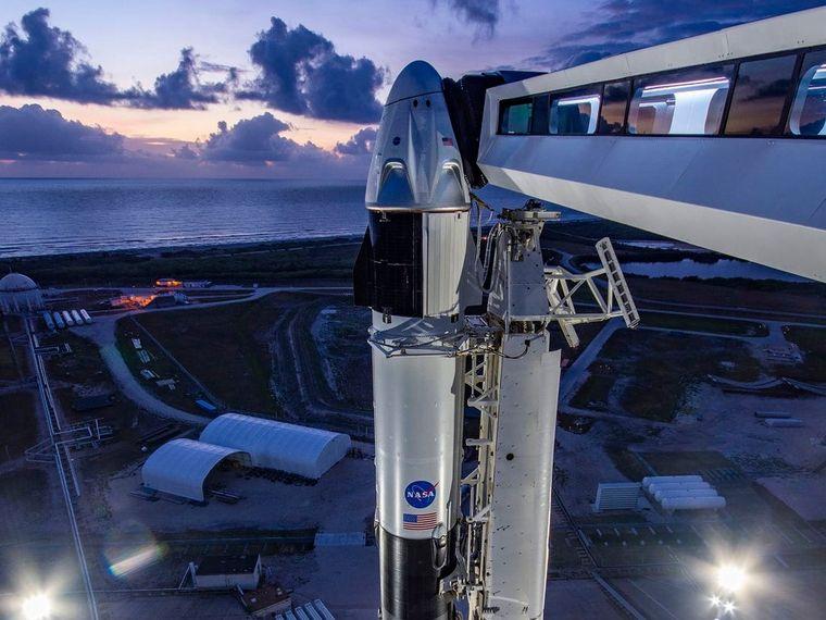 Avec le lancement réussi du Crew Dragon, le SpaceX d'Elon Musk remet en question tous les préjugés sur les vols spatiaux. Est-ce que ce sera le tournant dans l'ambition de l'entrepreneur américain ? Cela va-t-il se répercuter sur d'autres projets comme Bitcoin ?