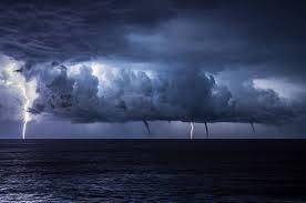 Tempête parfaite sur la mer Photographe :... - Météorologie mondiale ...