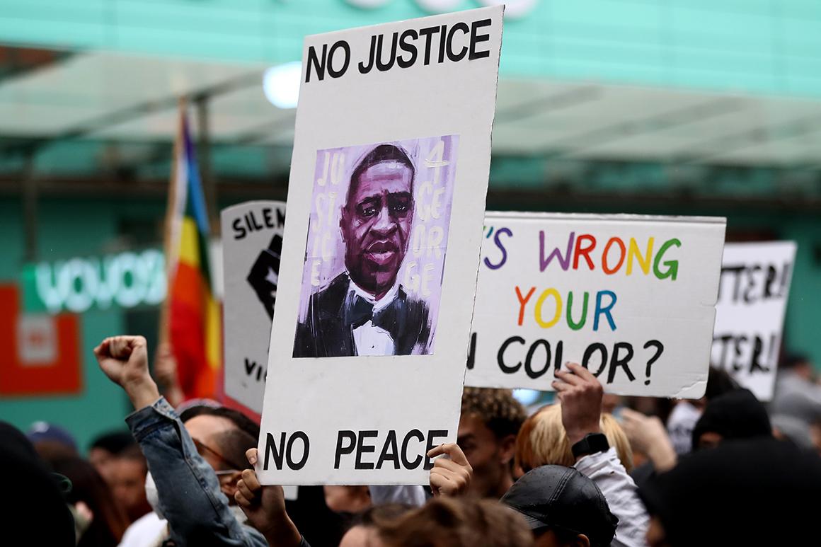 Des manifestants à Auckland